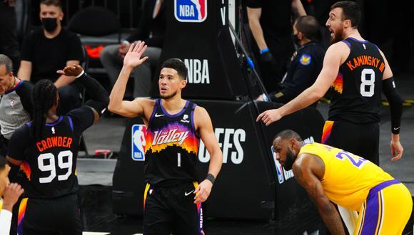 Suns vapuleó a Lakers y sacó ventaja 3-2 en la serie de primera ronda de PlayOffs
