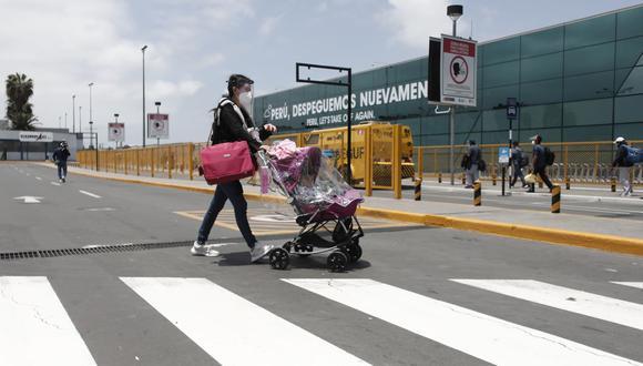 """""""Para los vuelos nacionales también se va a hacer la suspensión de esta prueba PCR para volver a lo que teníamos antes"""", dijo la ministra Claudia Cornejo. (Foto: Leandro Britto / GEC)"""