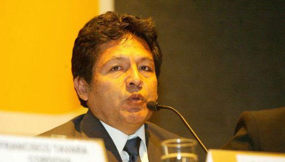 Ramos Heredia continúa como fiscal supremo de Control Interno