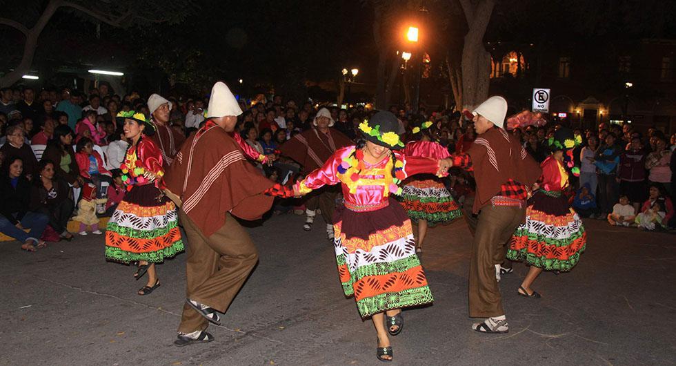 Danza popular, basada en la transmisión de la cultura tradicional. (Foto: GEC Archivo)