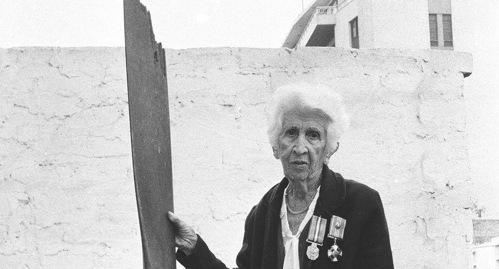 CARMELA COMBE. En 1920, fue la primera en ingresar a la Escuela Nacional de Aeronáutica y se convirtió en la primera aviadora. Es la segunda peruana en obtener una licencia de conducir. (Foto: El Comercio)