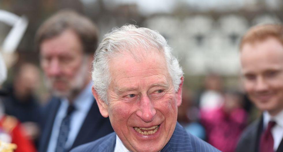 El heredero de la corona británica, el príncipe Carlos, de 71 años, dio positivo y concluyó su cuarentena sin problemas de salud. (Foto: AFP/Eddie Mulholland)