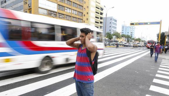 Los limeños sufren cada día las consecuencias de la contaminación sonora. (El Comercio)