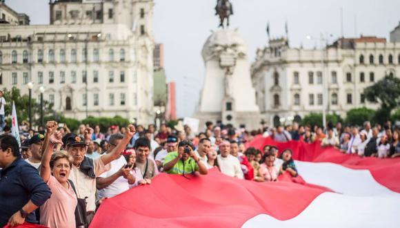 Perú se encuentra en medio de una crisis política. La imagen muestra una marcha contra la corrupción realizada en Lima en el 3 de enero del 2019. (Foto: AFP)