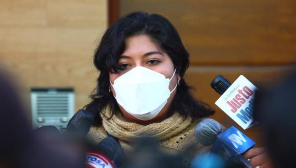 La vocera de la virtual bancada de Perú Libre, Betssy Chávez, consideró como una irresponsabilidad el llamado a nuevas elecciones. (Foto: Alessandro Currarino / @photo.gec)