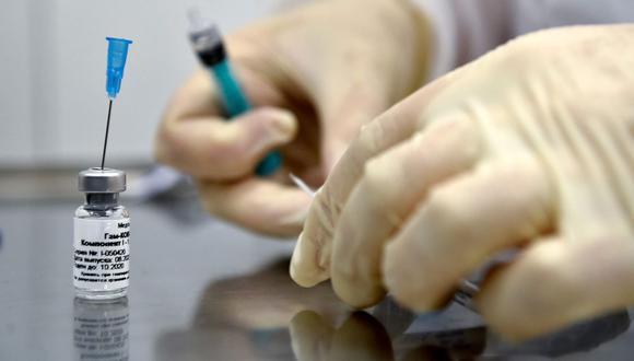 A finales de enero se dio a conocer que la biofarmacéutica alemana CureVac, inició el registro de voluntarios en el Perú para participar en sus ensayos clínicos a gran escala con miras a una nueva vacuna. Foto: AFP