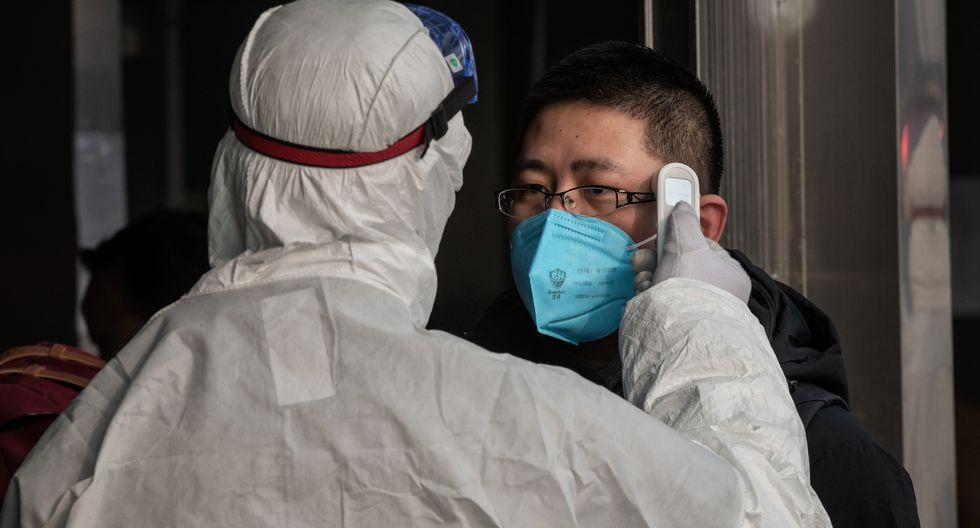 Según la Comisión Nacional de Sanidad, el número de muertos por este brote de neumonía asciende ya a 106 a nivel nacional, mientras que el de casos confirmados se elevó a 4.515. (Foto: AFP)