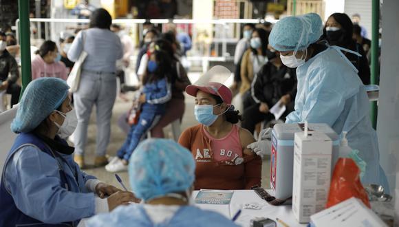La vacunación contra el coronavirus continúa avanzando a nivel nacional. Foto: Joel Alonzo/@photo.gec