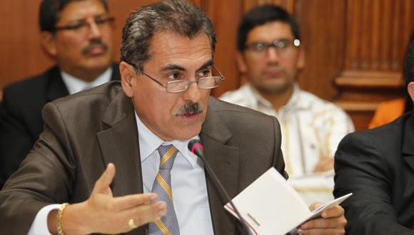 """Gagó considera """"ilegal"""" preinforme que recomienda suspenderlo"""