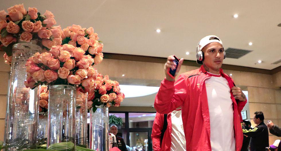 Paolo Guerrero a su llegada al hotel Sheraton de Quito. (Foto: ITEA PHOTO /A.LINO)