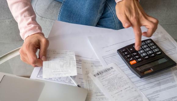"""""""Sabemos que por más esfuerzo que pongan algunas [empresas y hogares] no van a poder pagar la deuda, aun con plazos largos y tasas de interés baja"""", sostuvo Velarde en el Decimotercer Encuentro de Economistas de Bolivia. (Foto: iStock)"""