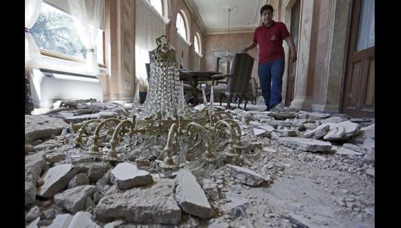 Paraguay: termitas derriban lámpara del Palacio Presidencial