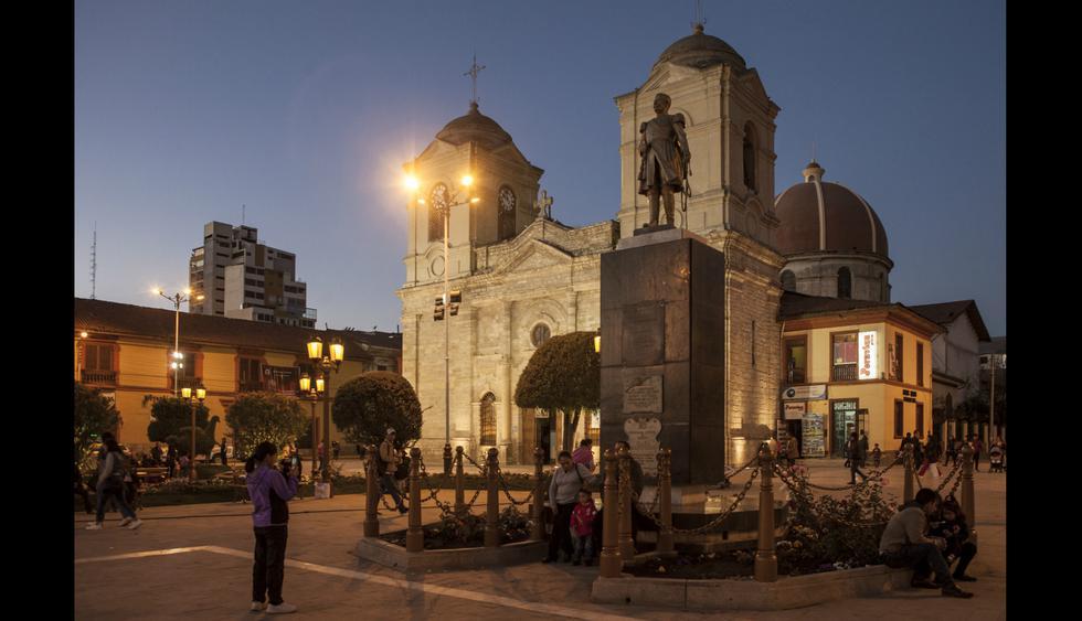 La catedral de Huancayo es de estilo colonial y data de 1572.  Foto: Guillermo Gutiérrez.