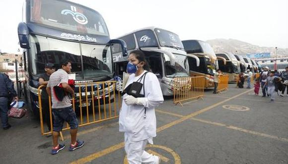 La premier Violeta Bermúdez detalló que esta semana el Ministerio de Transportes y Comunicaciones, publicará las medidas en detalle que se aplicarán para los traslados al interior del país. (Foto: GEC)