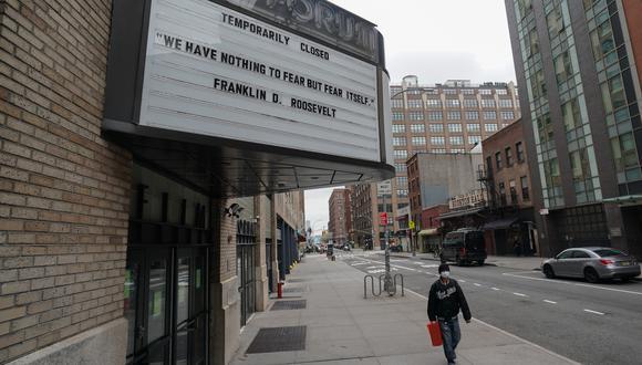 Cine de Nueva York cerrado por pandemia de coronavirus (COVID-19). (Foto: AFP)
