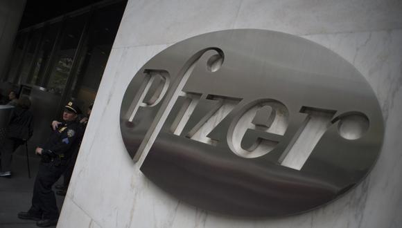 """Según Albert Bourla, presidente de Pfizer, se ha dado """"un paso importante"""" y se está más cerca de """"proveer a los ciudadanos del mundo"""" una vacuna """"necesaria para contribuir a acabar con esta crisis sanitaria mundial"""". (DON EMMERT / AFP)"""