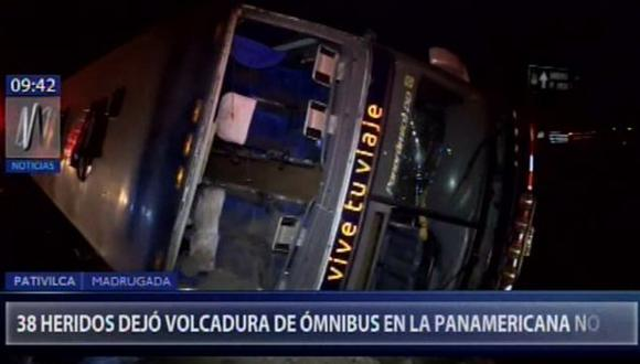 Esta madrugada, volcadura de ómnibus deja más de 30 heridos en la Panamericana Norte (Captura: Canal N)