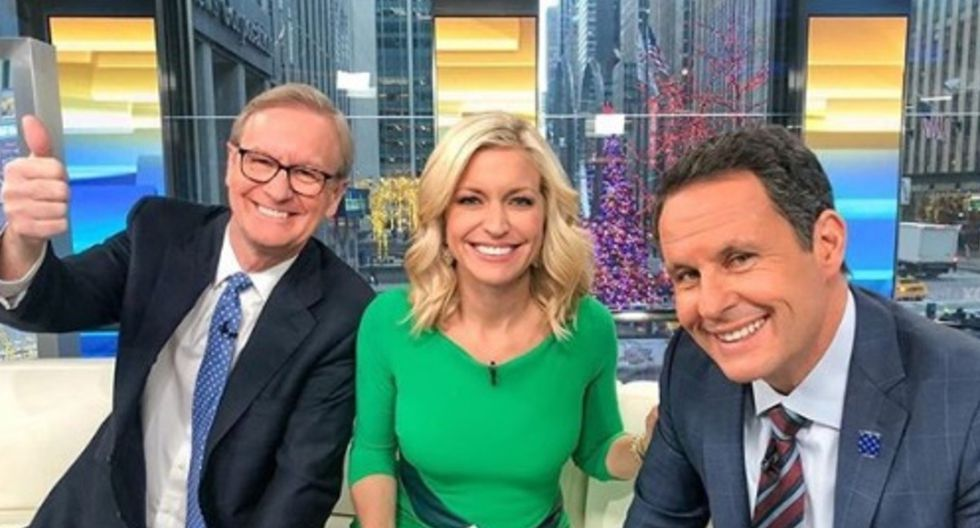 Ainsley Earhardt es presentadora del programa Fox & Friends, de la cadena televisa FOX.| Foto: @aeahardt/Instagram