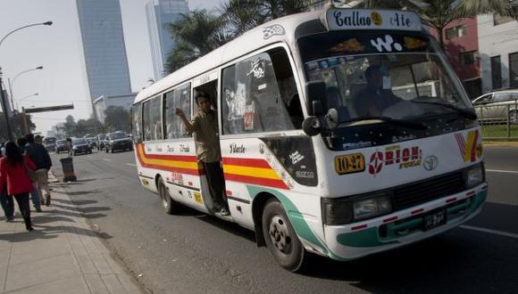 Breña: choque entre coaster de Orión y taxi dejó 5 heridos