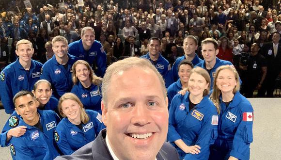 Los nuevos astronautas de la NASA en su ceremonia de graduación. Ellos fueron entrenados para viajes espaciales a la Luna y Marte. (Foto: Twitter @JimBridenstine)