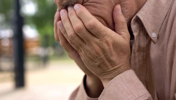 Cambiar de postura frente la muerte, también frente a la vida. Lee la columna de Renato Cisneros (Foto: Shutterstock)