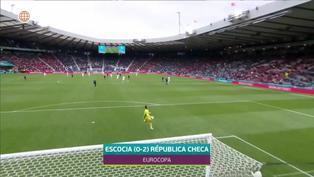 Eurocopa 2021: Patrick Schick convierte gol de 50 metros a Escocia