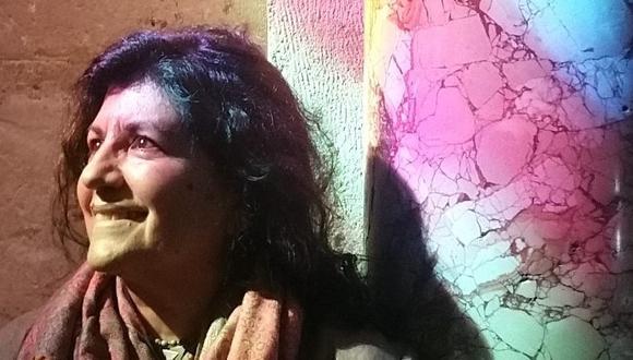 """Teresa Ruiz Rosas gana el Premio Nacional de Literatura 2020 con su novela """"Estación delirio"""". Le acompañan la poeta Victoria Guerrero y el traductor Washington Córdova, reconocidos en las categorías de No ficción y Lenguas originarias, respectivamente. (FOTO: María Moya Ruiz)"""