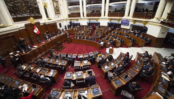 """""""Lo más probable entonces es que Vizcarra enfrente ahora un Congreso fragmentado con el que difícilmente pueda lograr acuerdos""""."""