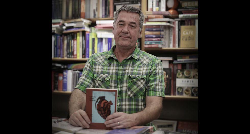 El escritor se reunió con sus seguidores peruanos en la librería Babel de Miraflores.