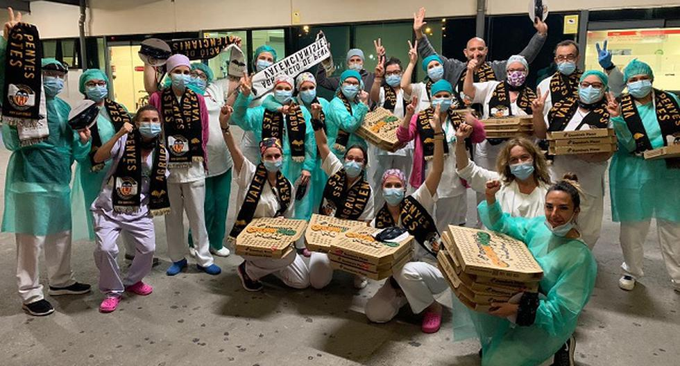 El banquete por el que ya habían pagado fue entregado a una asociación de veteranos Hull4Heros, quienes llevaron esta comida al personal médico de un hospital. (Foto: Facebook)