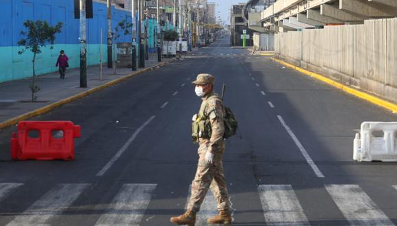 Militares y policías custodiarán las calles. (Foto: GEC)