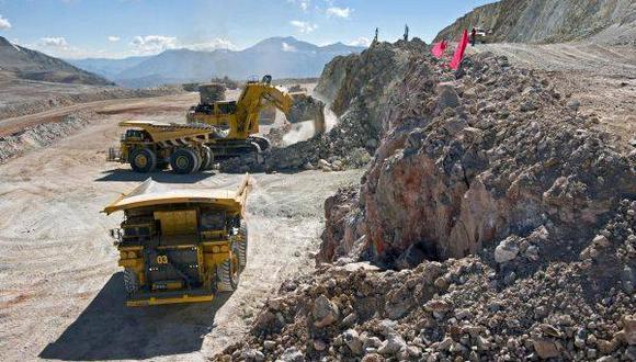 Minera IRL recibe permiso para proyecto Ollaechea en Puno