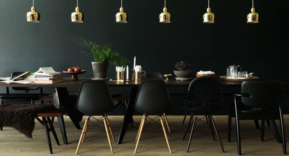 Decora con sillas icónicas, como la máster, Eames, Tólix o Bertoia en color negro. Diseño: Ilse Crawford. Foto: Feliz Odell.