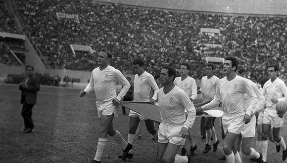 El 22 de agosto de 1965, un combinado de la Asociación Peruana de Futbol (APF) derrotó por 3-2 al Real Madrid en el Estadio Nacional de Lima. (Foto: Archivo Histórico El Comercio)