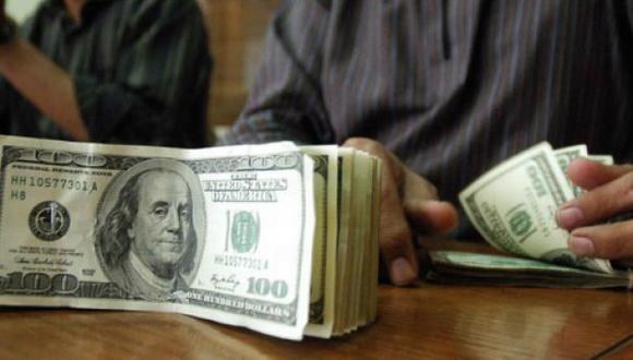 El dólar cerró a la baja el miércoles. (Foto: AFP)