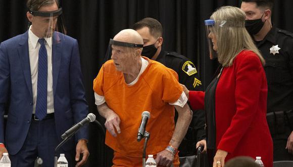 Joseph James DeAngelo, conocido como Golden State Killer, se declara culpable de matar a 13 mujeres en California. (AP Photo/Rich Pedroncelli).