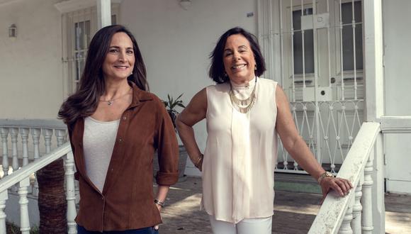 Mabela Martínez y Susana Roca Rey en el Puente de los Suspiros, inmortalizado en una de las canciones más conocidas de Chabuca Granda. (Foto: Víctor Idrogo)
