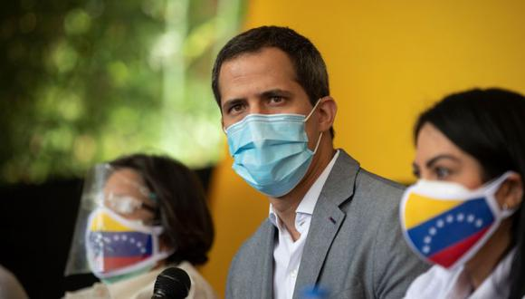El líder opositor venezolano Juan Guaidó habla durante una rueda de prensa en Caracas (Venezuela). (Foto: EFE/ Rayner Peña).
