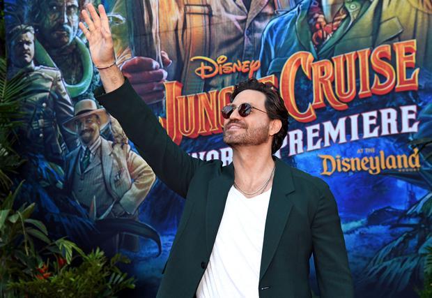 Edgar Ramírez brilló en la premiere de Jungle Cruise. (Foto: Disney)