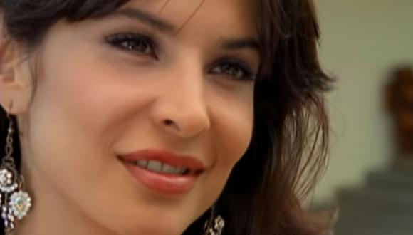 """Lorena Rojas interpretando a Isabel Arroyo en """"El cuerpo del deseo"""" (Foto: Telemundo)"""
