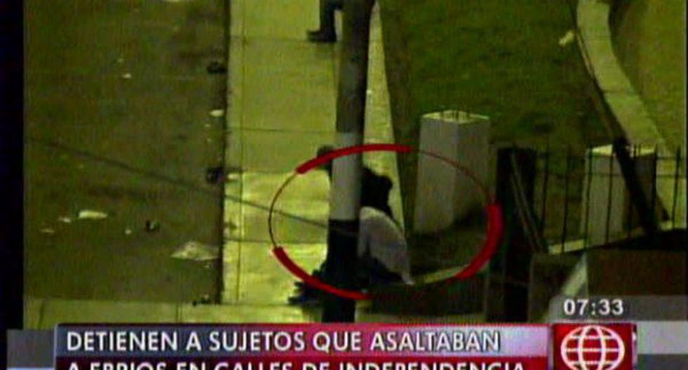 Independencia: cámaras captan cómo asaltaban a sujetos ebrios