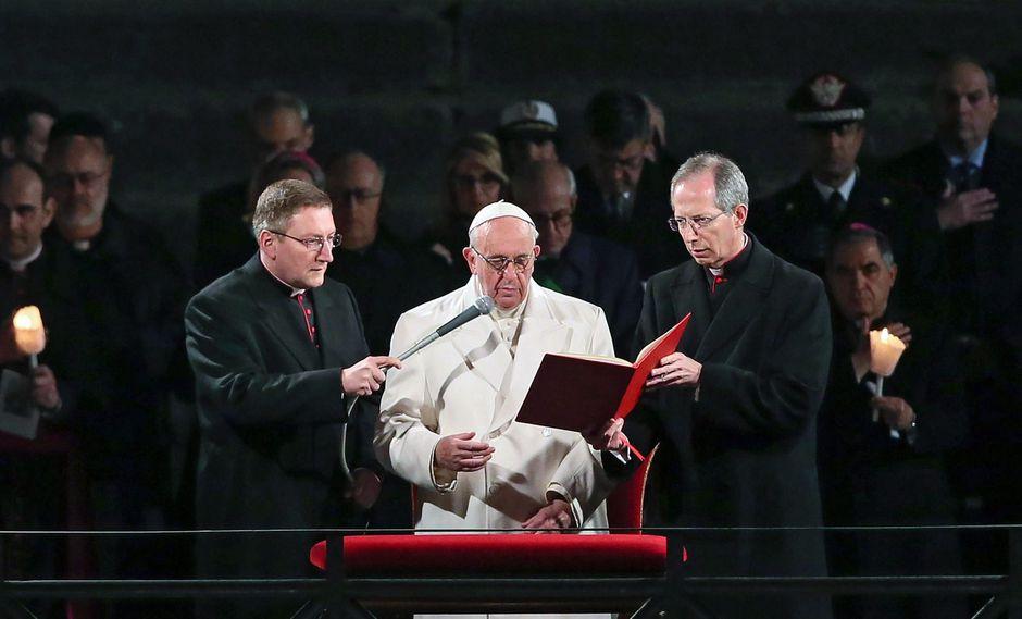 El papa Francisco durante su alocución del 30 de marzo del 2018 por la celebración del Vía Crucis en Semana Santa. (Archivo EFE)