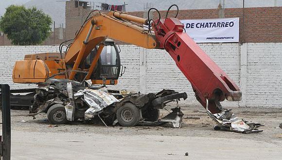 Municipalidad de Lima promete chatarrear 3 mil carros en 2 años