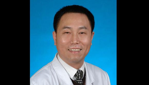 Mei Zhongming, de 57 años, era el médico jefe y subdirector del departamento de oftalmología del Hospital Central de Wuhan, y fue superior del doctor Li Wenliang, quien también murió por coronavirus a principios de febrero.