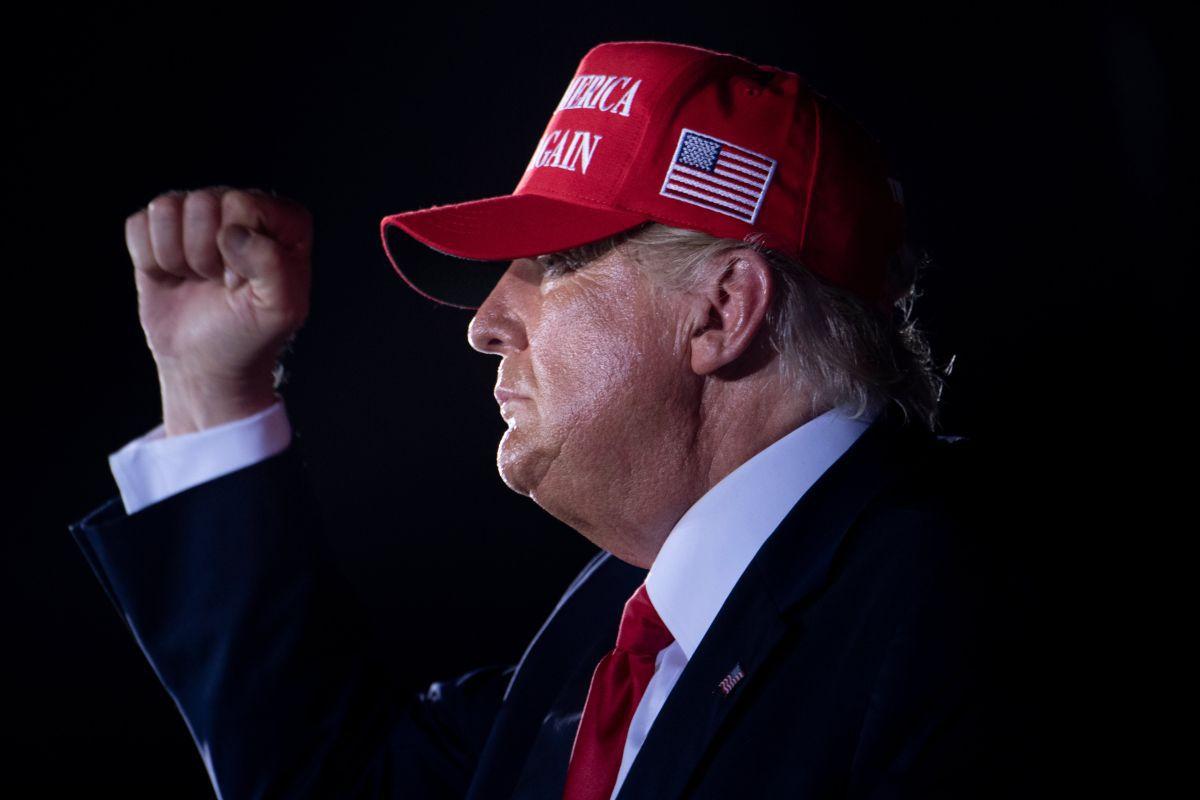 """""""Make America Great Again"""" fue el lema de campaña de Trump, y es también una forma conservadora de entender la realidad estadounidense. (Foto de Brendan Smialowski / AFP)."""