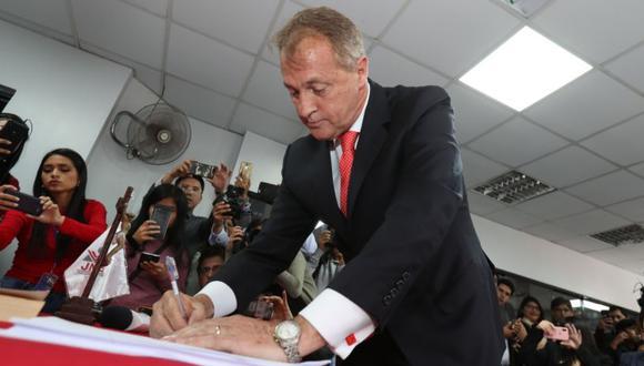 Jorge Muñoz logró 1'907.693 votos (36.03%) en las últimas Elecciones Regionales y Municipales.  (Foto: Rolly Reyna)