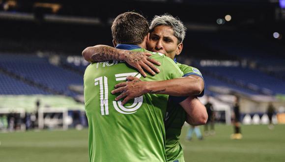 Raúl Ruidíaz anotó un gol y dio dos asistencias en la última victoria del Seattle Sounders por 3-1 ante Los Angeles FC. (Foto: Agencias).
