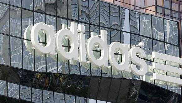 Adidas asegura que escándalo en la FIFA no ha dañado su marca