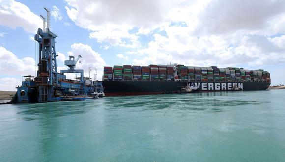 Imagen muestra el buque portacontenedores Ever Given que encalló en el Canal de Suez, Egipto, el 26 de marzo de 2021. (EFE/EPA/AUTORIDAD DEL CANAL DE SUEZ).