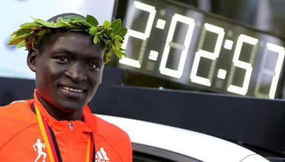 Dennis Kimetto supera récord mundial en Maratón de Berlín